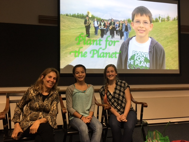Lynne Cherry and Young Voices for the Planet film stars and youth climate leaders, Mari, Alice and Felix Finkbeiner